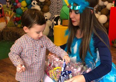 Matías, hijo de Carolina Cruz y Lincoln Palomeque, festeja su cumpleaños #2 con la granja de Zenón 3